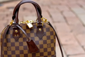 Authentic Louis Vuitton Monogram Canvas Alma PM Tote Handbag Article M53151 Made in France e