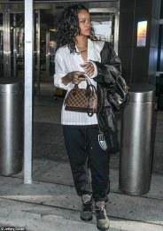 Louis Vuitton Alma Tote Hangbag Rihanna b