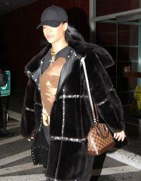Louis Vuitton Alma Tote Hangbag Rihanna