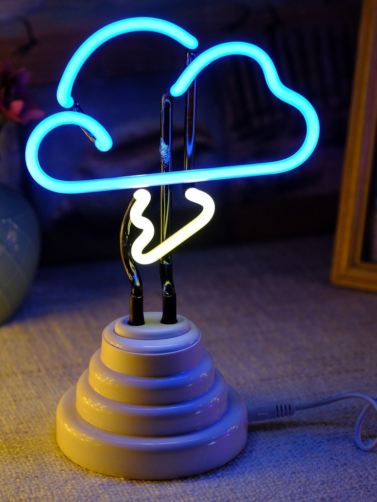 Neon Cloud Shaped Table Lamp 1