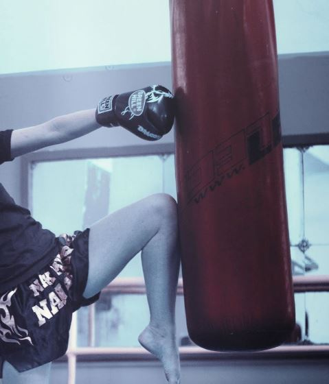 07 Muay Thai Punching Bag Black and White 6ft 130lbs FILLED A